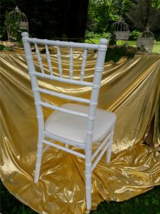 d1596153e256 PRENÁJOM Chiavari stoličiek - Výzdoba TIP TOP