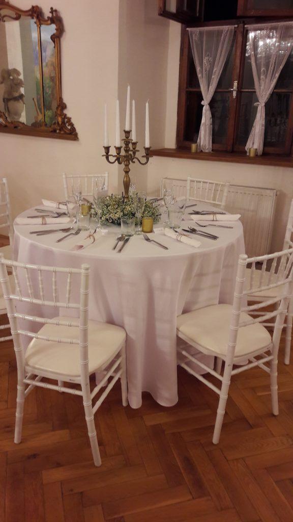 Chiavari stoličky biele