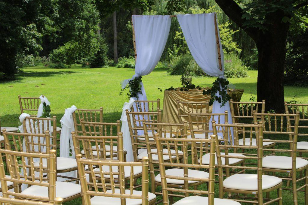 Chiavari stoličky zlaté